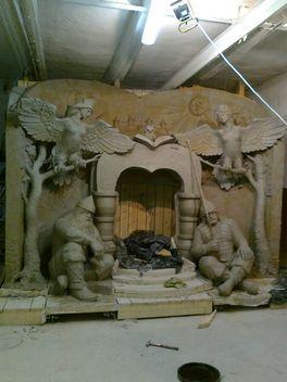 деревянные скульптуры богатыри