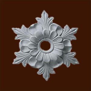 Декоративная розетка из гипса с орнаментом