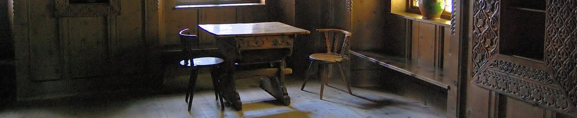 farmhouse-358286_1920